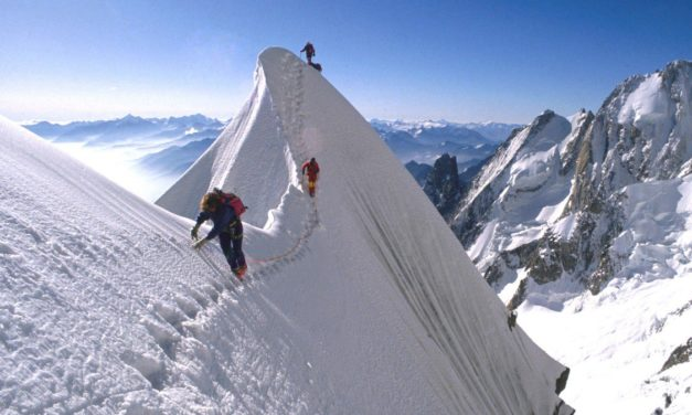 The Thrill of Armchair High Altitude Mountaineering on Everest