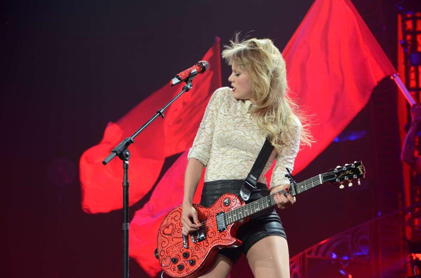 Taylor Swift Historical Primer Reputation Review And A Celebration Of Chameleons